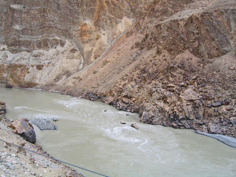 Vallée du fleuve Ind, en montagnes de Ladakh images libres de droits
