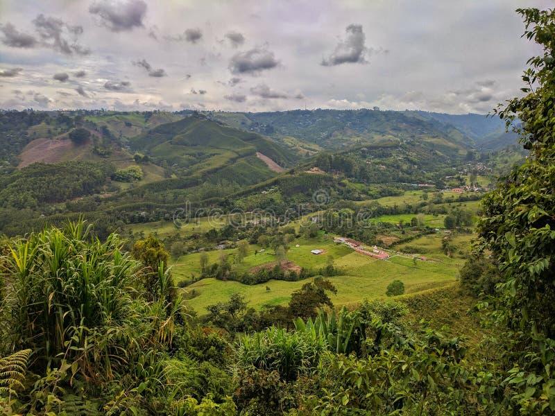 Vallées de montagne image stock