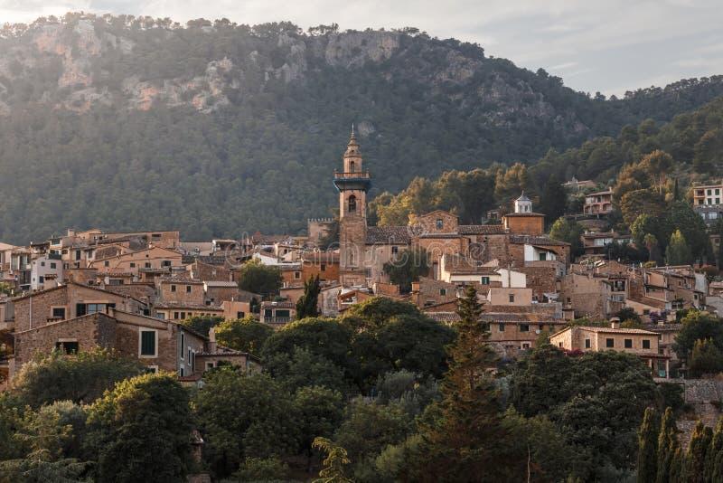 Valldemossa bij zonsondergang - Mallorca, Spanje royalty-vrije stock foto