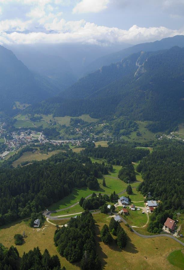 Download Valle Chartreuse Di Vista Aerea Fotografia Stock - Immagine di montagne, chartreuse: 7319252