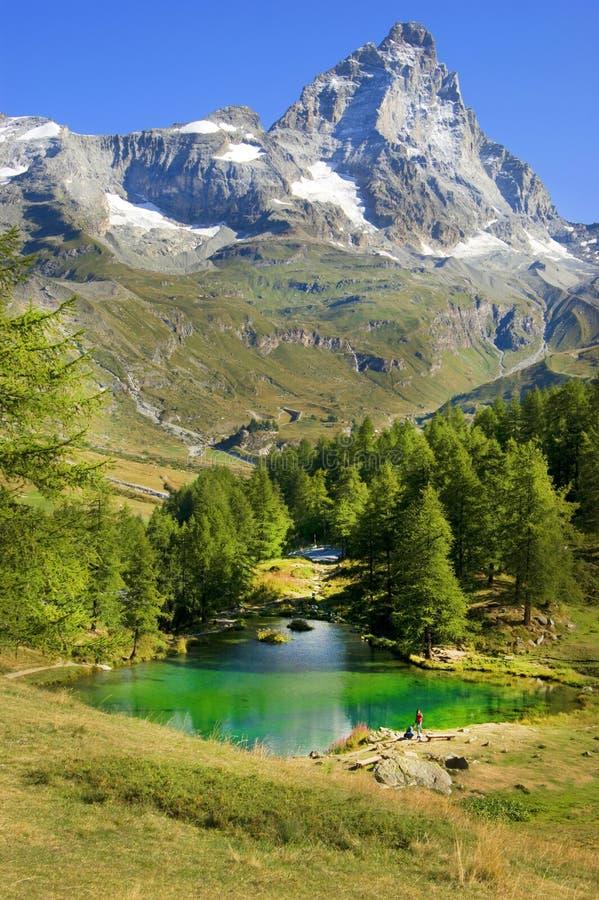 Valle d'Aostamening van het blauwe meer stock foto