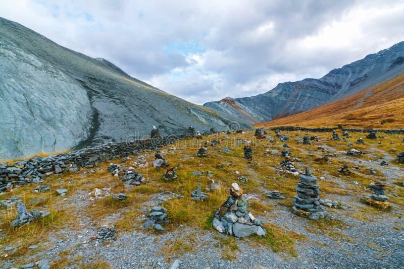 Valle de Akkem en parque natural de las montañas de Altai imagen de archivo