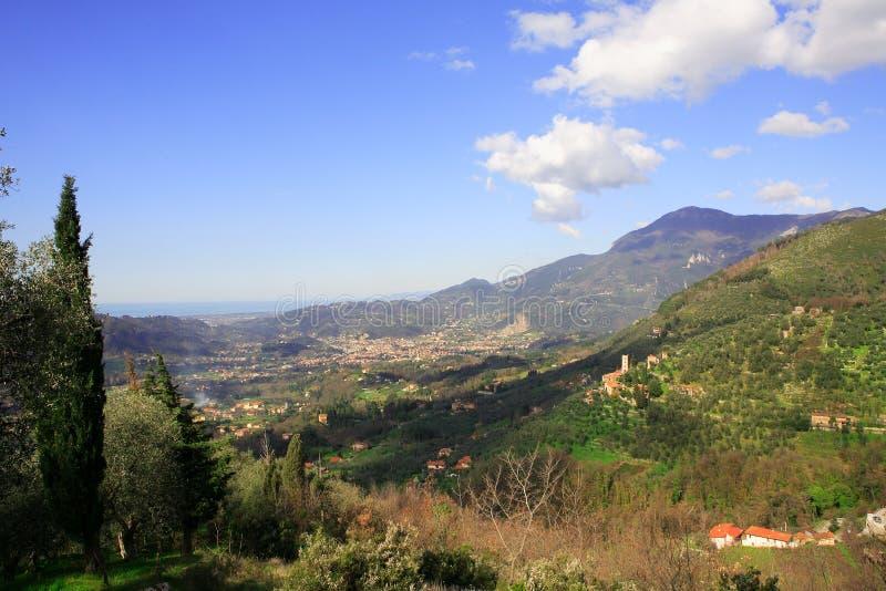 Valle de Camaiore foto de archivo libre de regalías
