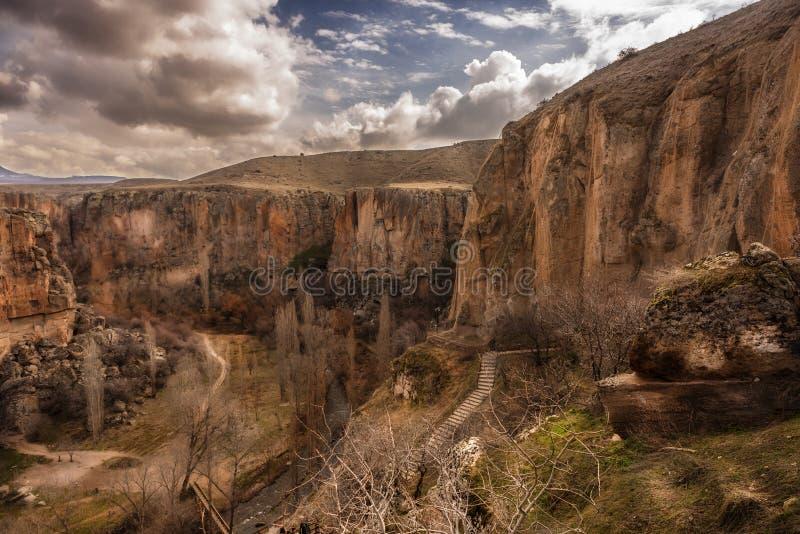 Valle de Cappadocia, de Ihlara e iglesias viejas imágenes de archivo libres de regalías