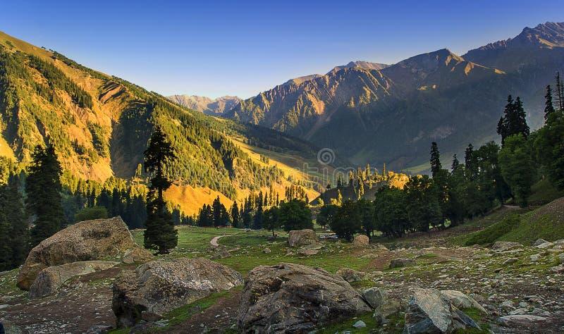 Valle de Sonamarg, Cachemira, la India imagenes de archivo