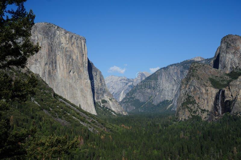 Valle de Yosemite de la opinión del túnel foto de archivo libre de regalías