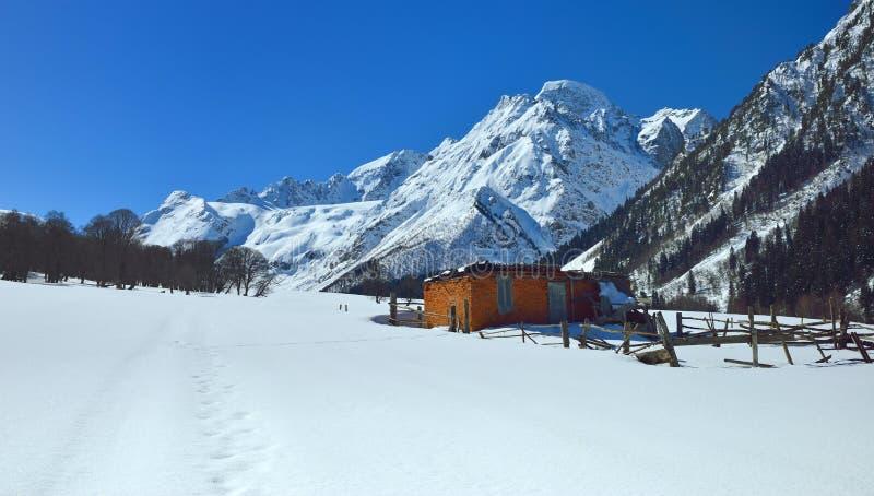 Valle del Cáucaso imagen de archivo