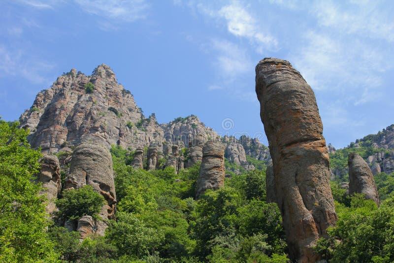 Valle del fantasma cerca de la montaña de Demerdji imagen de archivo libre de regalías
