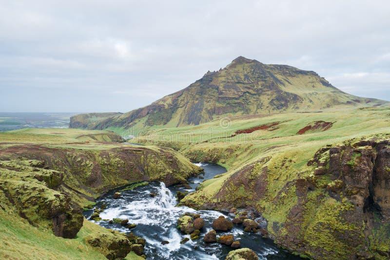 Valle del fiume di Skoga vicino alla cascata Skogafoss, Islanda immagini stock libere da diritti
