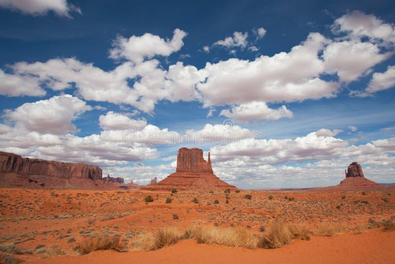 Valle del monumento, panorama hermoso del cielo, Arizona, los E.E.U.U. fotos de archivo libres de regalías