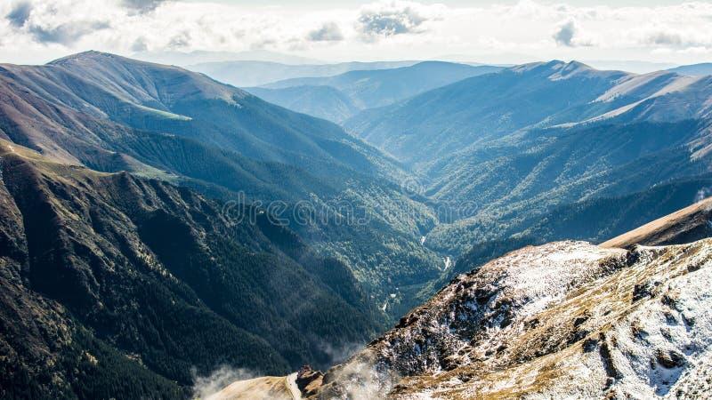 Valle della montagna immagini stock libere da diritti