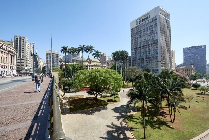 Valle di Anhangabau alla città di Sao Paulo immagini stock