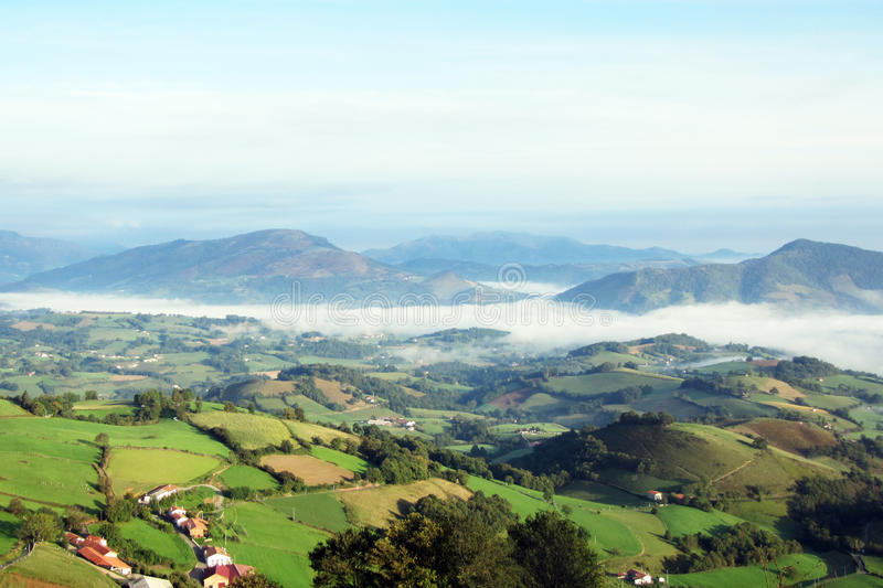Valle di Pirenei fotografie stock