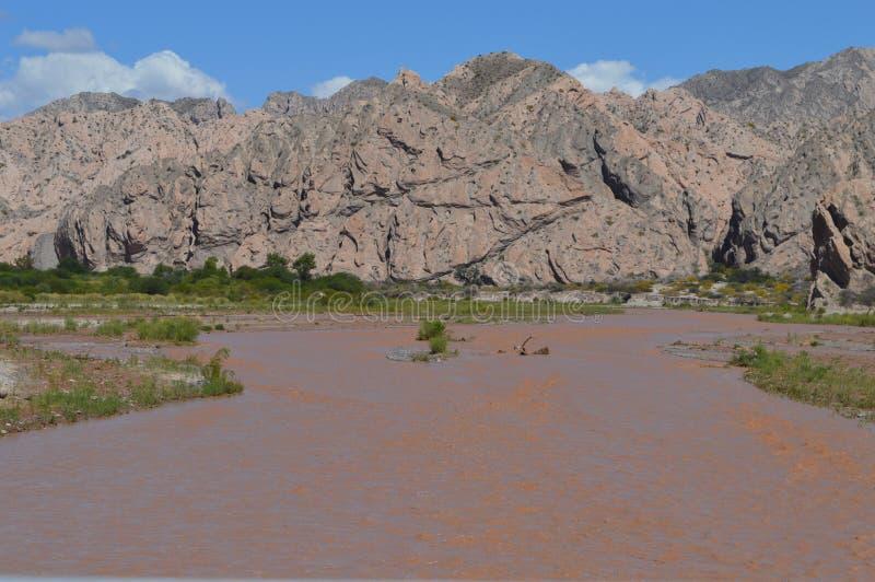 Valle e fiume immagine stock libera da diritti