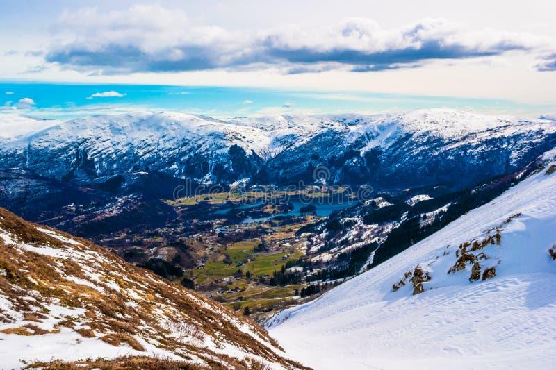 Valle en Bergen foto de archivo libre de regalías