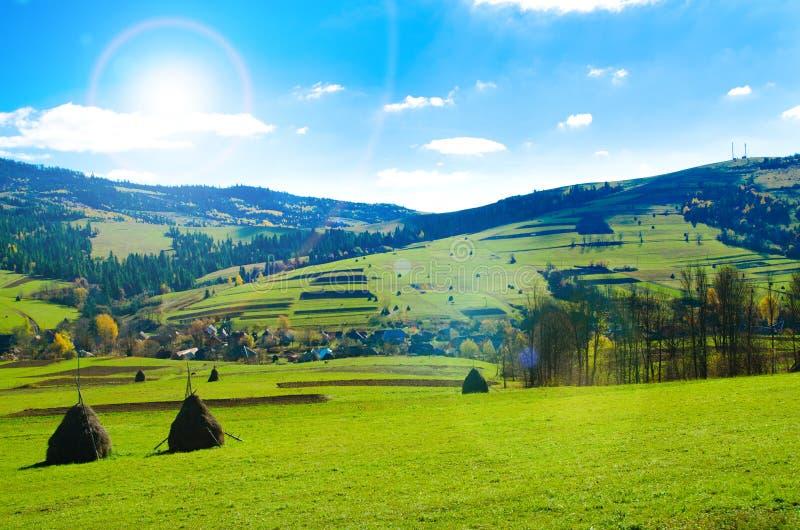 Valle en una montaña foto de archivo