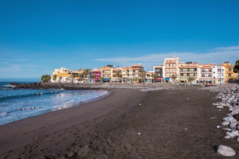 Valle Gran rey strand in La gomera, Canarische eilanden, Spanje stock foto's