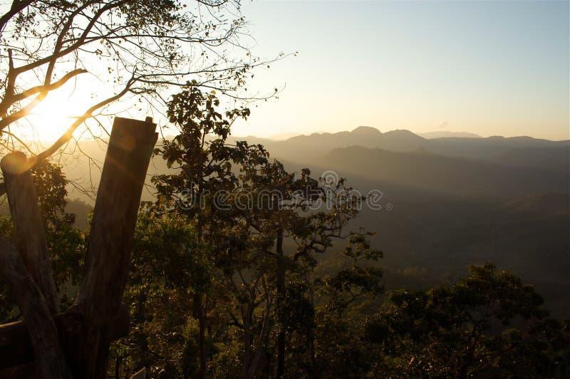 Valle hermoso de la puesta del sol fotos de archivo libres de regalías