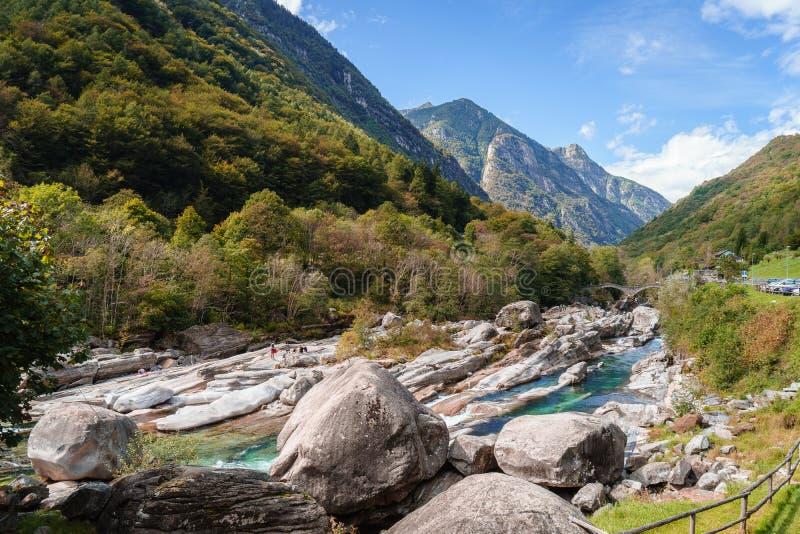 Valle il Ticino Svizzera di Verzasca fotografie stock