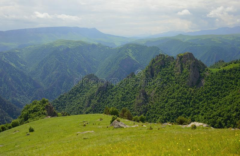 Valle in montagne fotografie stock