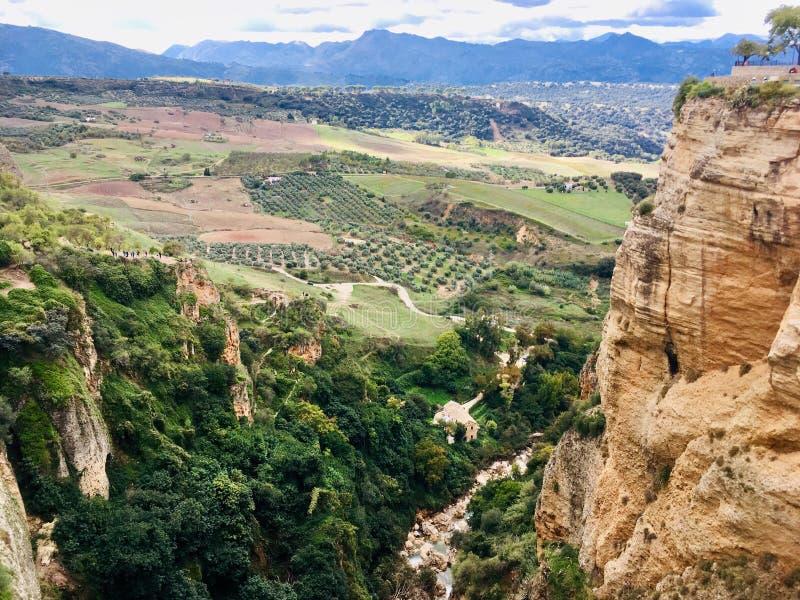 Valle sotto la città di Ronda fotografia stock