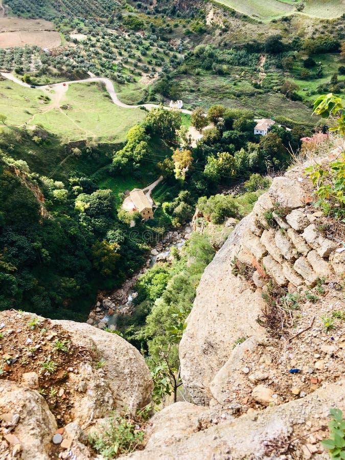 Valle sotto la città di Ronda immagini stock libere da diritti