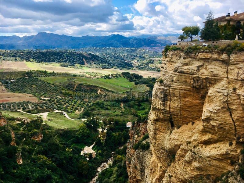 Vallei onder de stad van Ronda stock fotografie