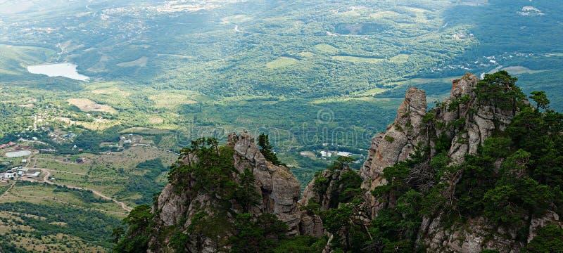 Vallei van Spoken op de Demerdji-berg stock afbeelding