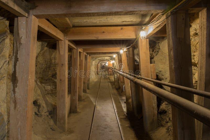 Vallejo, Kalifornien - 24. Juni 2018: Inneres Haselnuss-Atlas-Bergwerk in schwarzem Diamond Regional Preserve stockbilder