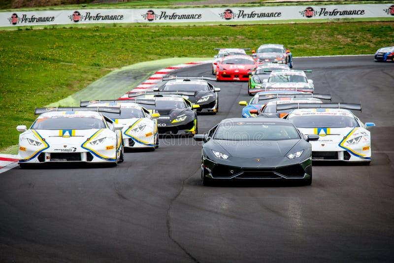 Vallelunga, Ιταλία στις 24 Σεπτεμβρίου 2017 Ομάδα να περιοδεύσει το αγωνιστικό αυτοκίνητο στοκ εικόνα