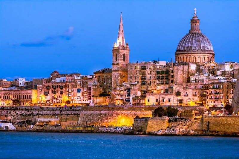 Valletta bis zum Nacht, Malta lizenzfreies stockbild