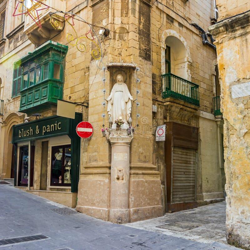 Valletta - gator och hörn arkivfoto