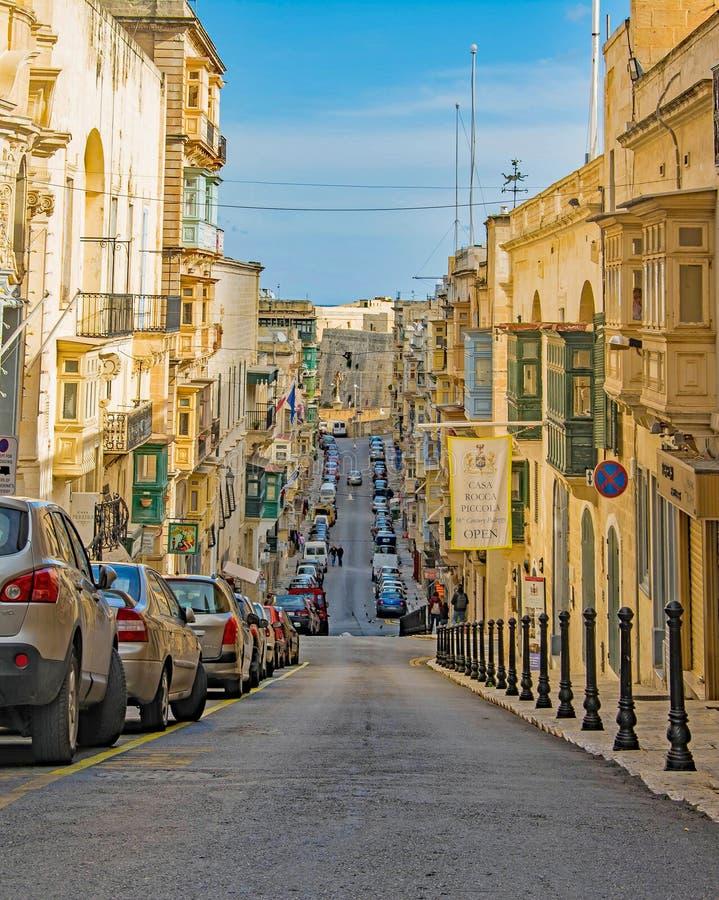 Valletta - gator upp och ner arkivfoto