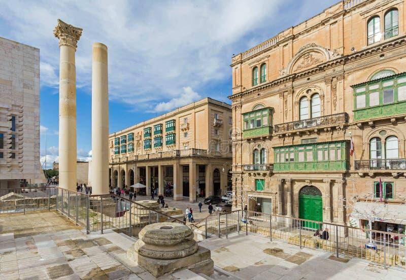 Valletta - historisk gammalt och nytt arkivbilder