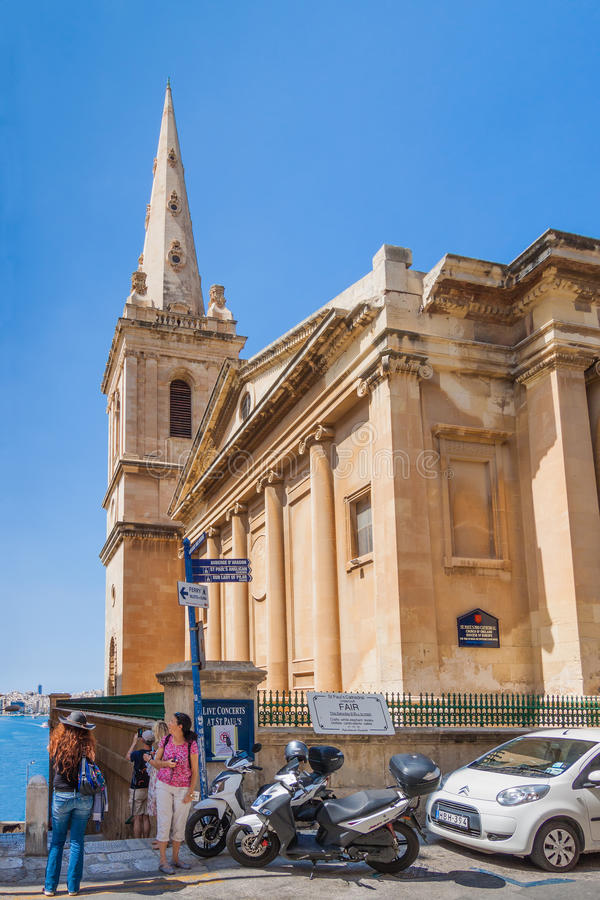 Valletta, Malta - 5 de maio de 2016: Igreja de Saint Catherine imagens de stock