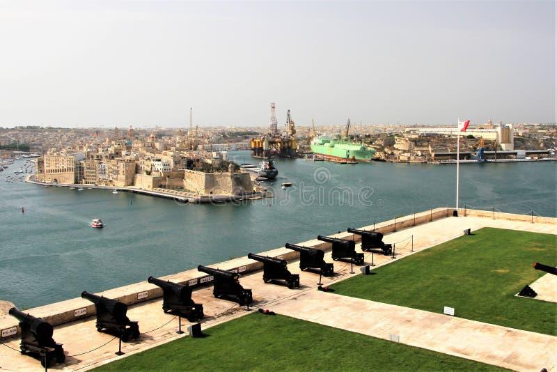 Valletta, Malta, em julho de 2014 Vista do forte StAngelo do porto grande lateral fotos de stock royalty free