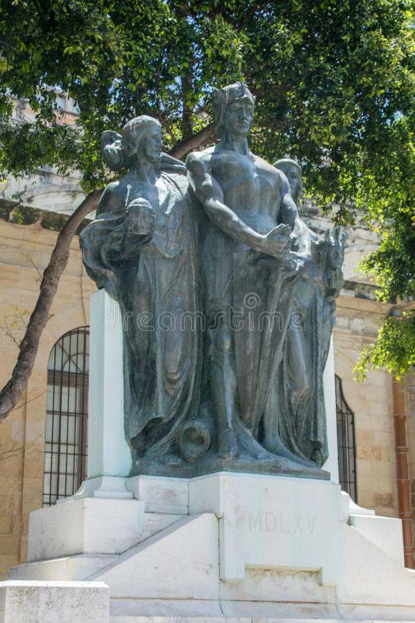 Valletta, Malta - Mei 9, 2017: Groot Belegeringsmonument door Antonio Sciortino in Valletta Het monument wordt gevestigd dichtbij stock afbeelding