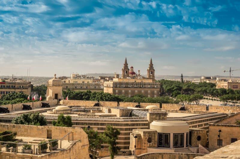 Valletta Malta: Sikt över medeltida stadsbefästning arkivfoto