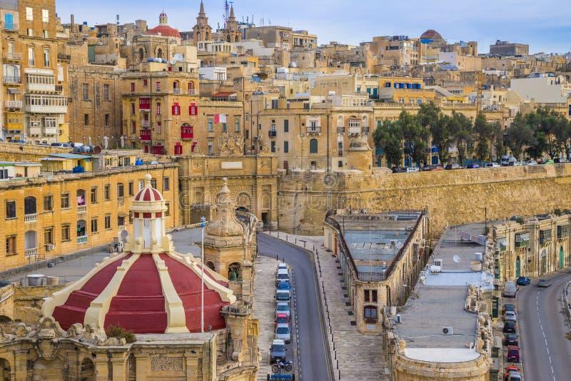 Valletta Malta - soluppgång på Valletta arkivfoton