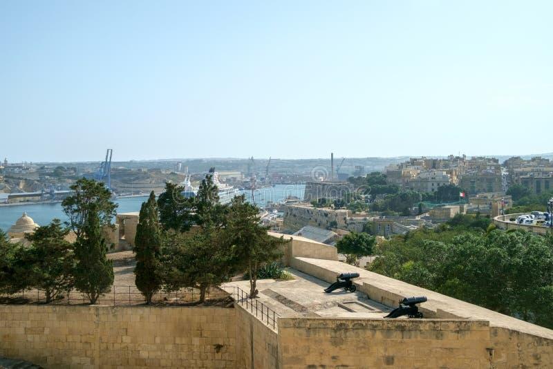 Valletta miasta Bateryjny widok fotografia royalty free