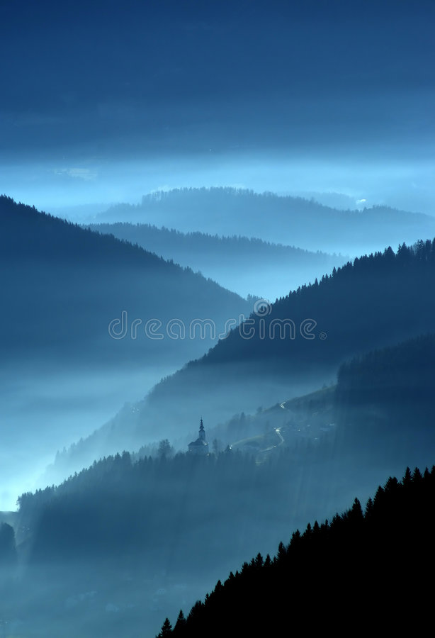 Free Valley In The Mist Stock Photography - 1303412
