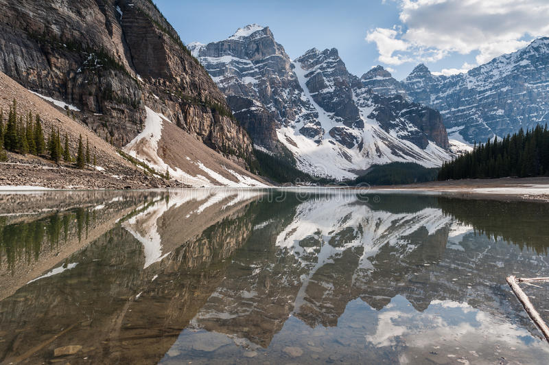 Valley of Ten Peaks glaciers reflecting on Moraine Lake stock image