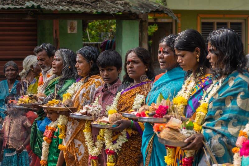 Vallfärda avskedceremonigruppen, Belathur Karnataka Indien royaltyfri foto
