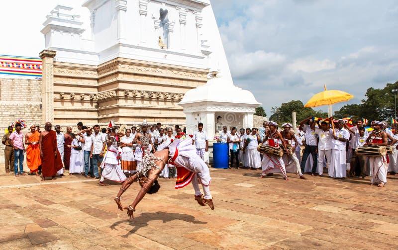 Vallfärdar i Anuradhapura, Sri Lanka royaltyfri bild
