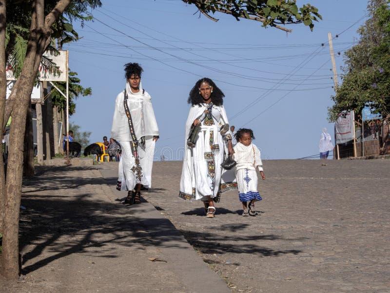 Vallfärdar på Sts George kyrka, Maj 1. 2019 Lalibela, Etiopien royaltyfri foto