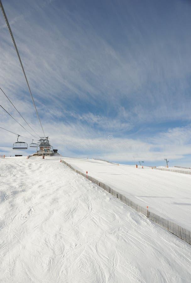 VallNord, стул El Cubil подъема лыжи и наклон Cubil, княжество Андорры, восточных Пиренеи, Европы стоковое фото