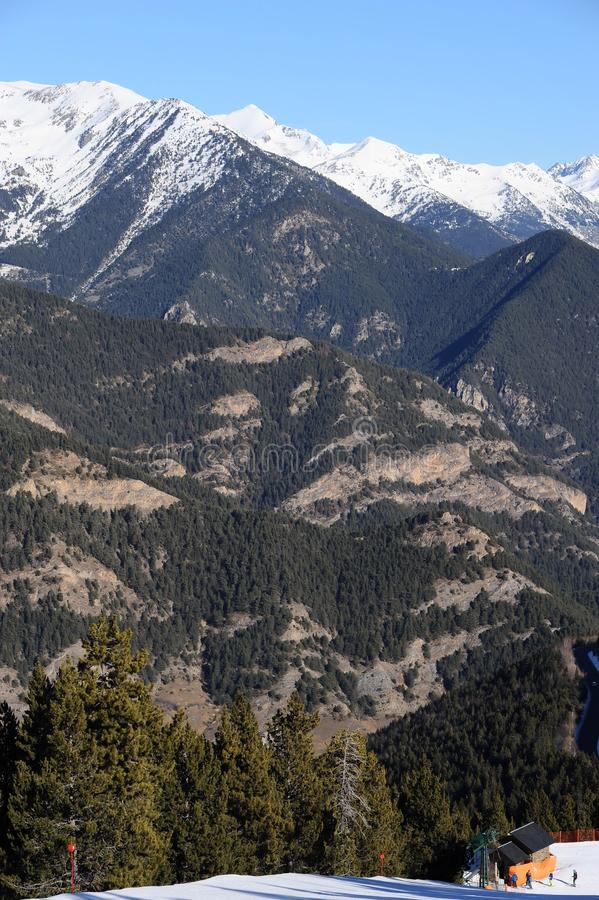 Vallnord, góry zakrywać z śniegiem ksiąstewko Andorra, Europa obraz stock