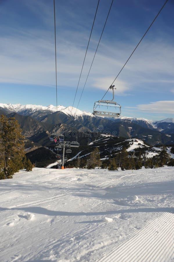 VallNord, narciarskiego dźwignięcia krzesło El Cubil, sektoru kumpel ksiąstewko Andorra wschodni Pyrenees, Europa obraz royalty free