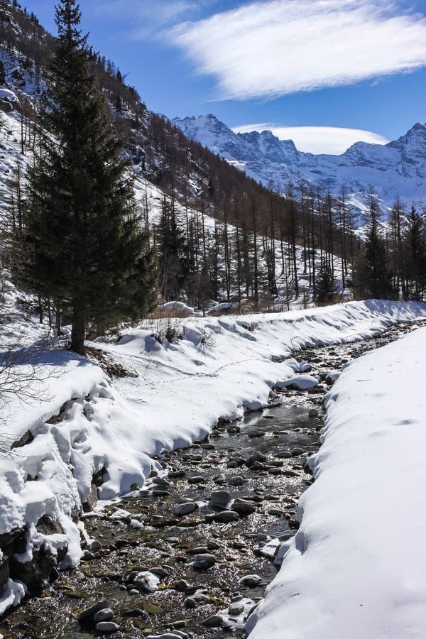 Valnontey Cogne no parque nacional de Gran Paradiso foto de stock royalty free