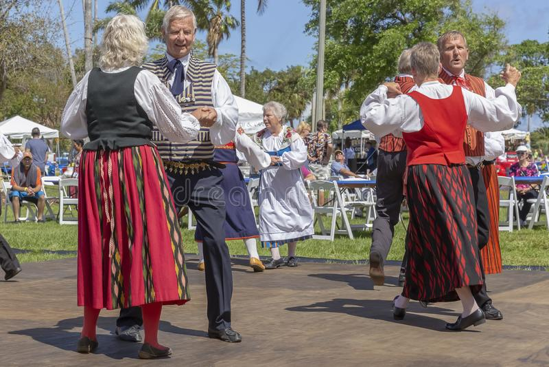 Valor do lago, Florida, EUA festival de Sun da meia-noite do 3 de março de 2019 que comemora a cultura finlandesa foto de stock royalty free